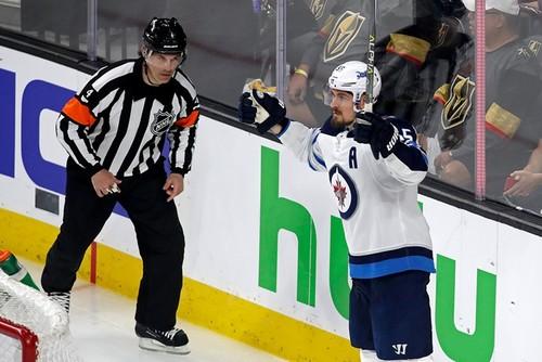 Нападающий Виннипега установил рекорд НХЛ