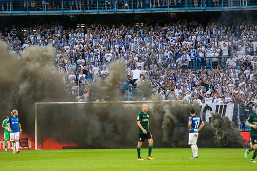 Лех проведет восемь матчей без зрителей из-за беспорядков фанатов