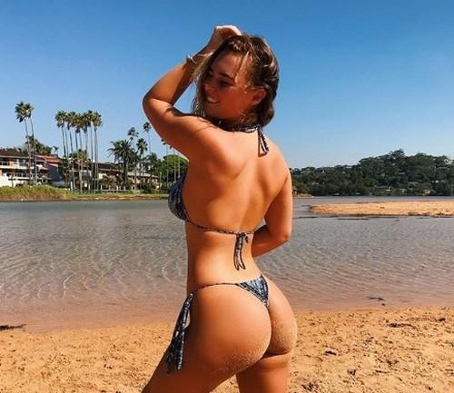 ДЕВУШКА ДНЯ. Горячая серфингистка Руби-Ли Коффи