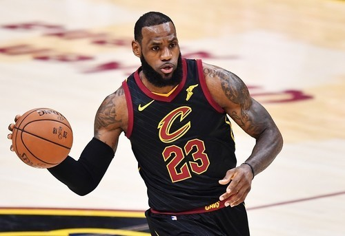 Лучшие данки финальной серии плей-офф НБА