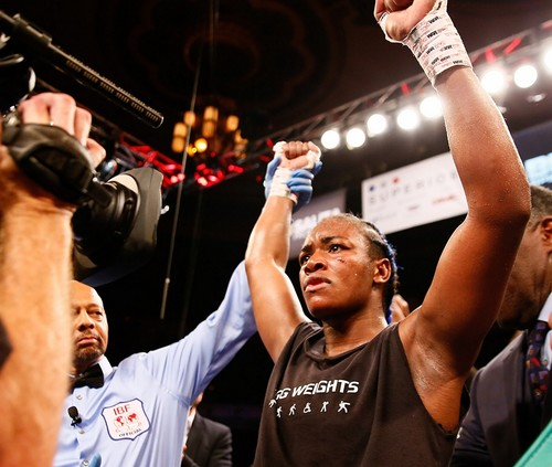 Кларесса Шилдс стала чемпионкой мира по версиям IBF и WBA