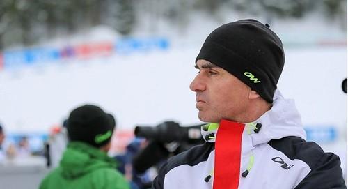 Сборная Беларуси по биатлону осталась без тренера