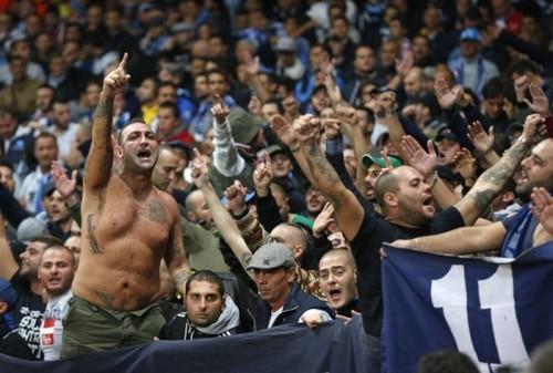 Фанаты Наполи напали на болельщиков Шахтера после матча ЛЧ