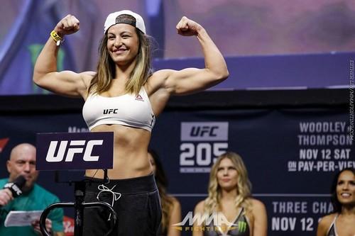 Бывшая чемпионка UFC может возобновить карьеру
