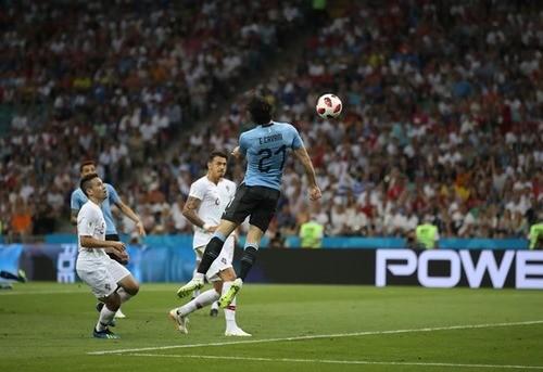 Дубль Кавани помог Уругваю обыграть Португалию в 1/8 финала  ЧМ
