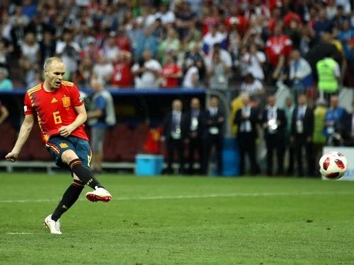 Иньеста завершил карьеру в сборной Испании