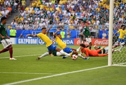 Бразилия уверенно побеждает Мексику в 1/8 финала чемпионата мира