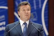 Януковича заметили на матче Россия – Испания в компании с Медведевым