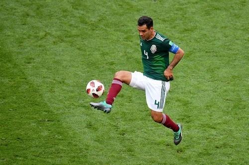 Маркес и Перальта завершили карьеры в сборной Мексики