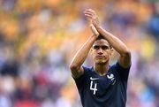 Уругвай – Франция – 0:1. Гол Варана