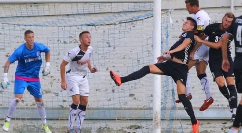 Черноморец с игроками на просмотре выиграл в контрольном матче