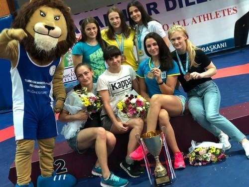 Українські борці вибороли 15 медалей на турнірі в Туреччині