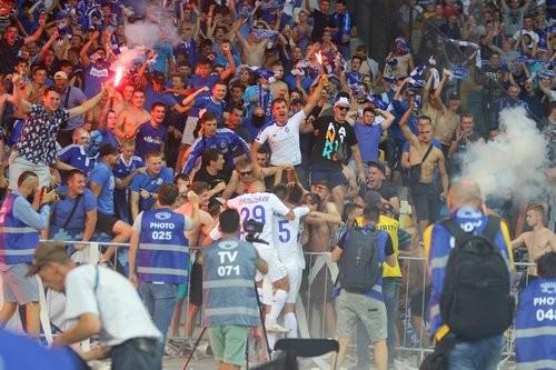 Динамо в Праге поддержат более тысячи фанатов