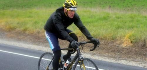 Лэнс Армстронг угодил в больницу после падения с велосипеда