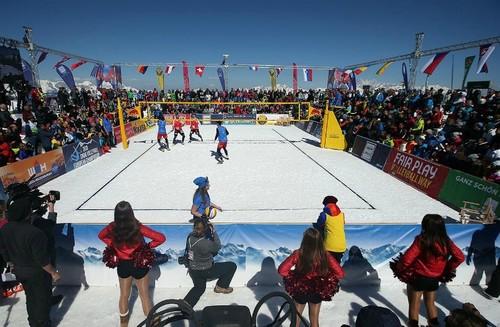 У волейбол на снігу віднині гратимуть втрьох