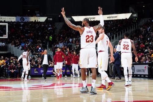 НБА. Леброн Джеймс вошел в топ-10 по набранным очкам с игры в истории