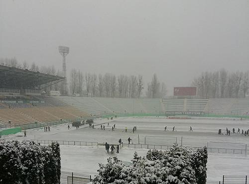 Вмешалась непогода: матч между Карпатами и Олимпиком был прерван