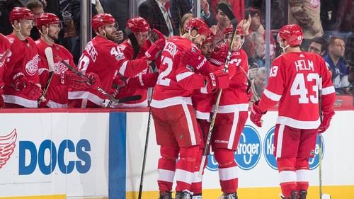 НХЛ. Детройт обыграл Торонто, Ванкувер - Сан-Хосе. Матчи пятницы