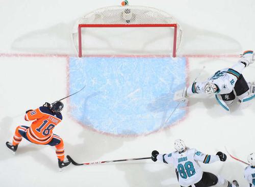 НХЛ. 10000 шайб Эдмонтона, серия Пастрняка. Матчи понедельника