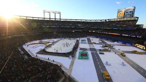 НХЛ. Зимнюю классику выиграли Рейнджерс. Матч понедельника