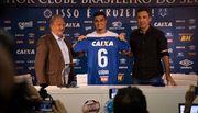 Экс-защитник Днепра сменил клуб в Бразилии