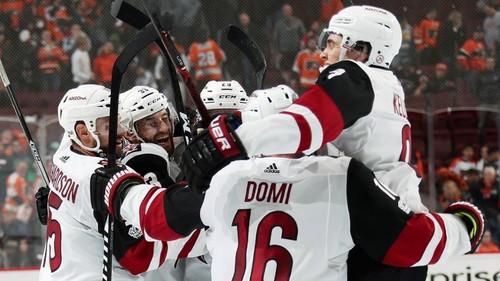 НХЛ. Первая победа Аризоны, рекорды Тампы-Бэй и Коламбуса