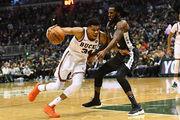 НБА. 41 очко Адетокунбо принесло Милуоки победу над Бруклином
