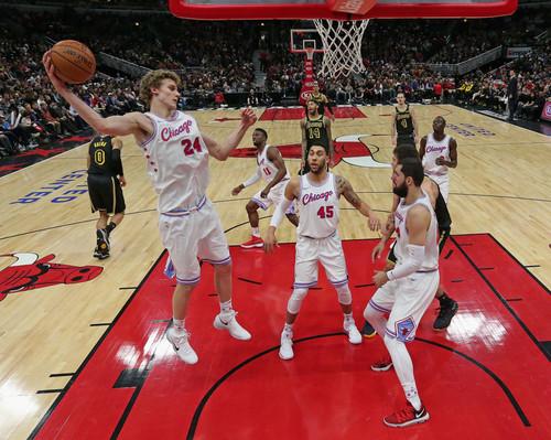 НБА. 49 очков Карри принесли победу ГС в матче с Бостоном