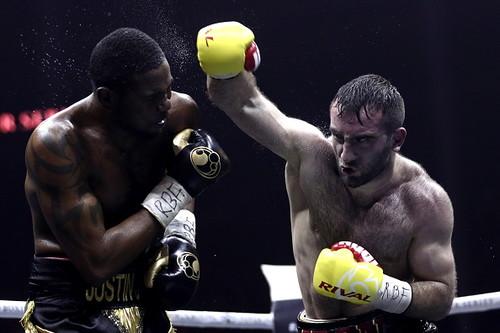 Гассиев победил Дортикоса и встретится с Усиком в финале WBSS