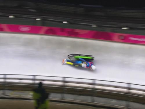 Как Мандзий вылетел из саней и продолжил гонку на Олимпиаде