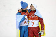 ФОТО ДНЯ. Как украинец и россиянин обнимались на пьедестале