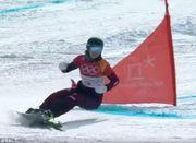 ВИДЕО ДНЯ. Белка едва не попала под сноуборд спортсменки