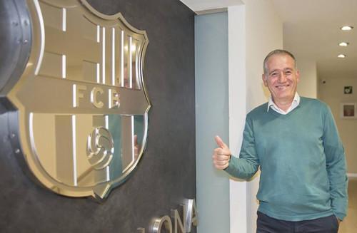 Пусть успехов и нет: Барселона Ласса переподписала главного тренера