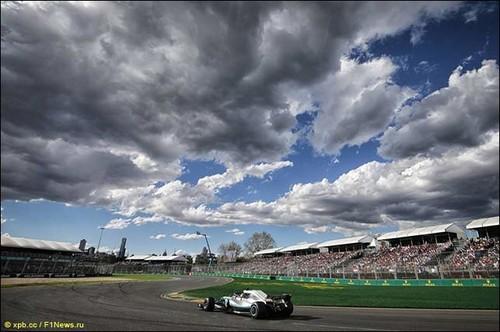 В Mercedes подтвердили ошибку в программе в Мельбурне