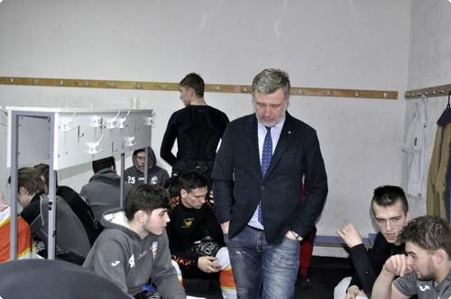 ВИДЕО ДНЯ. Раздевалка ХК Кременчук после проигранного финала УХЛ