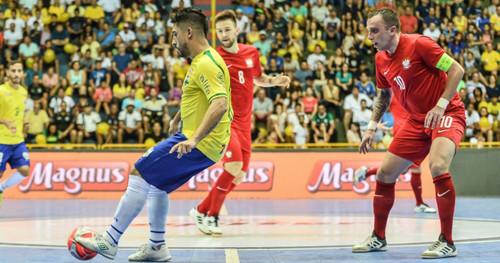 Бразилия в товарищеском матче с большим трудом обыграла Польшу