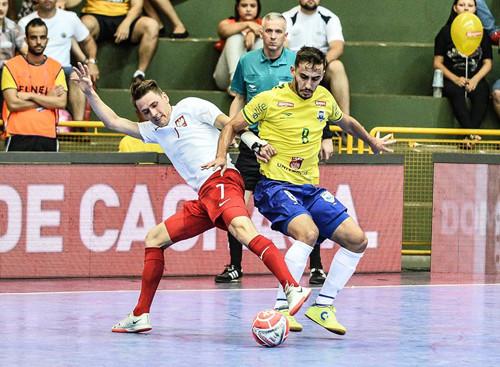 Во втором товарищеском матче Бразилия всухую разгромила Польшу