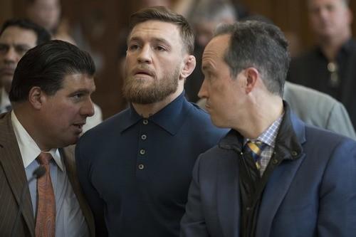 ВИДЕО ДНЯ. Как Макгрегор автобус с бойцами UFC разгромил
