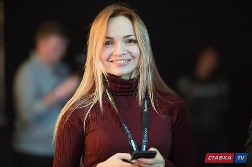 Cosmopolitan в Украине рассказали о девушках в киберспорте