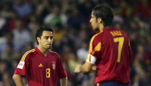 Легенды испанского футбола поступили на тренерские курсы