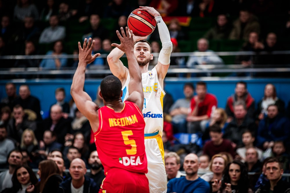Сборная Украины по баскетболу не вышла на чемпионат мира, проиграв дома Черногории (видео)