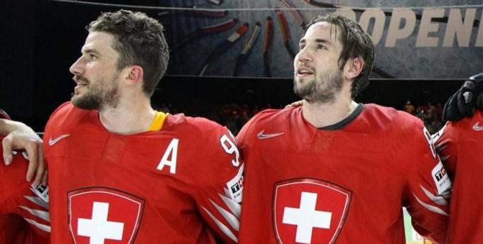 Чемпионат мира похоккею: Словакия проиграла Канаде, Швеция разгромила Норвегию